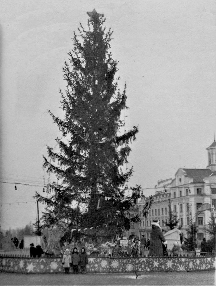 Новорічна Красна площа: святковий Чернігів 1967 року (Фото)