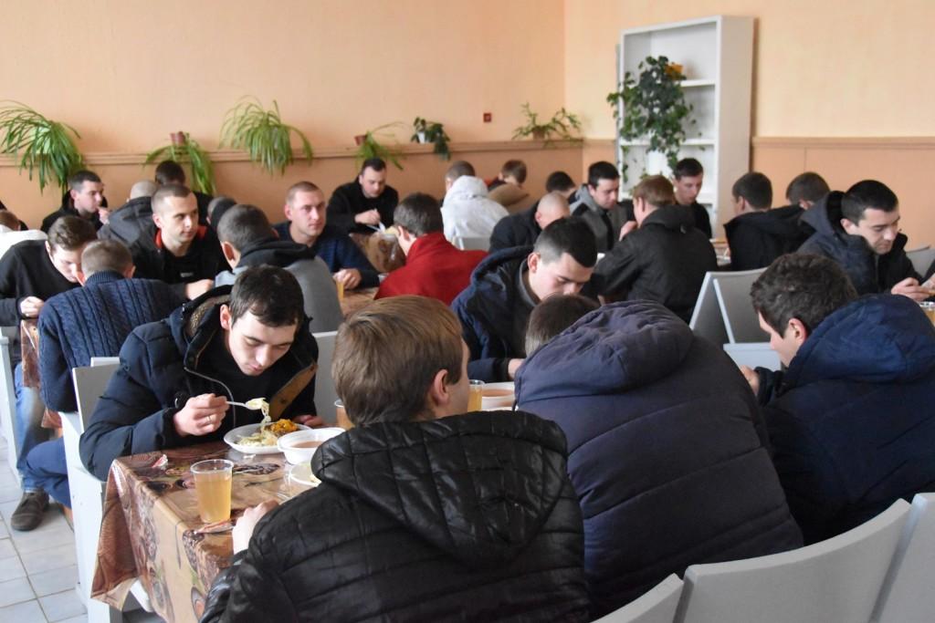 250 чернігівців розпочали строкову військову службу в навчальних центрах ЗСУ (Фото)