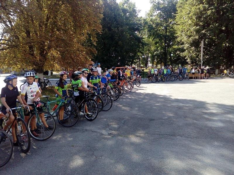 Зірок велоспорту готують під Черніговом (Фото)