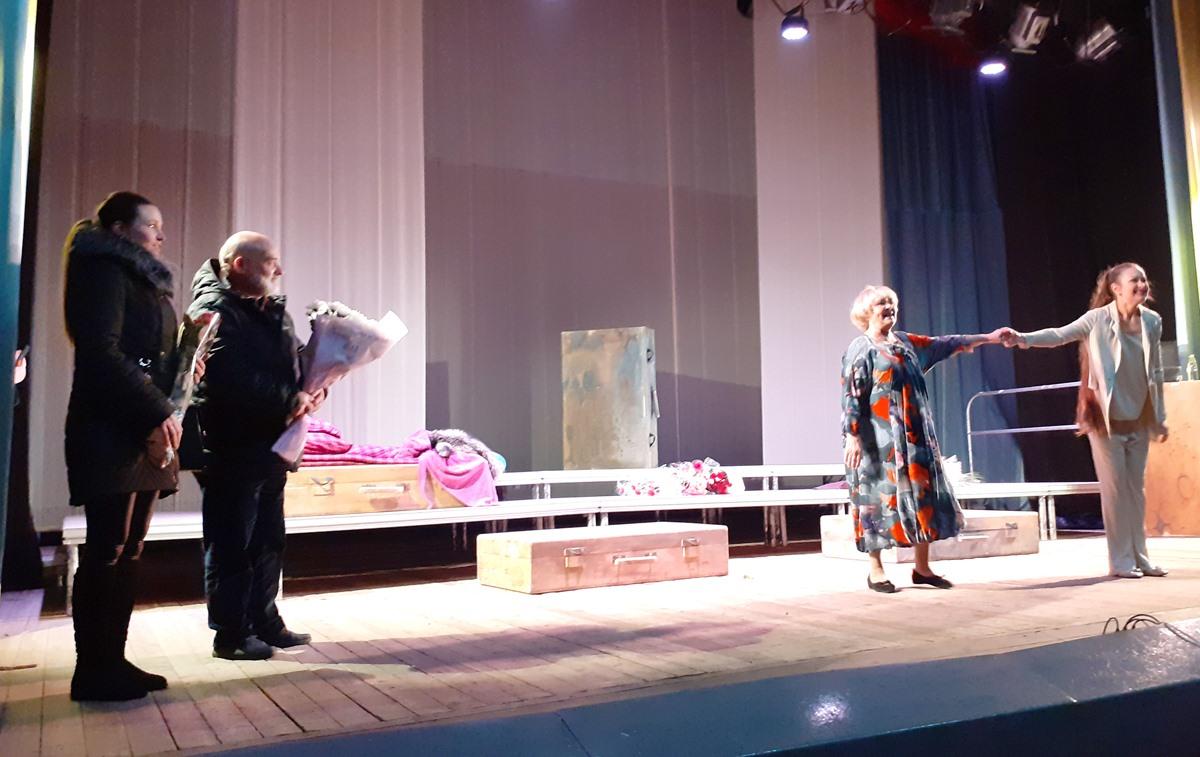 У Сновську з виставою побувала народна артистка Ада Роговцева (Фото)