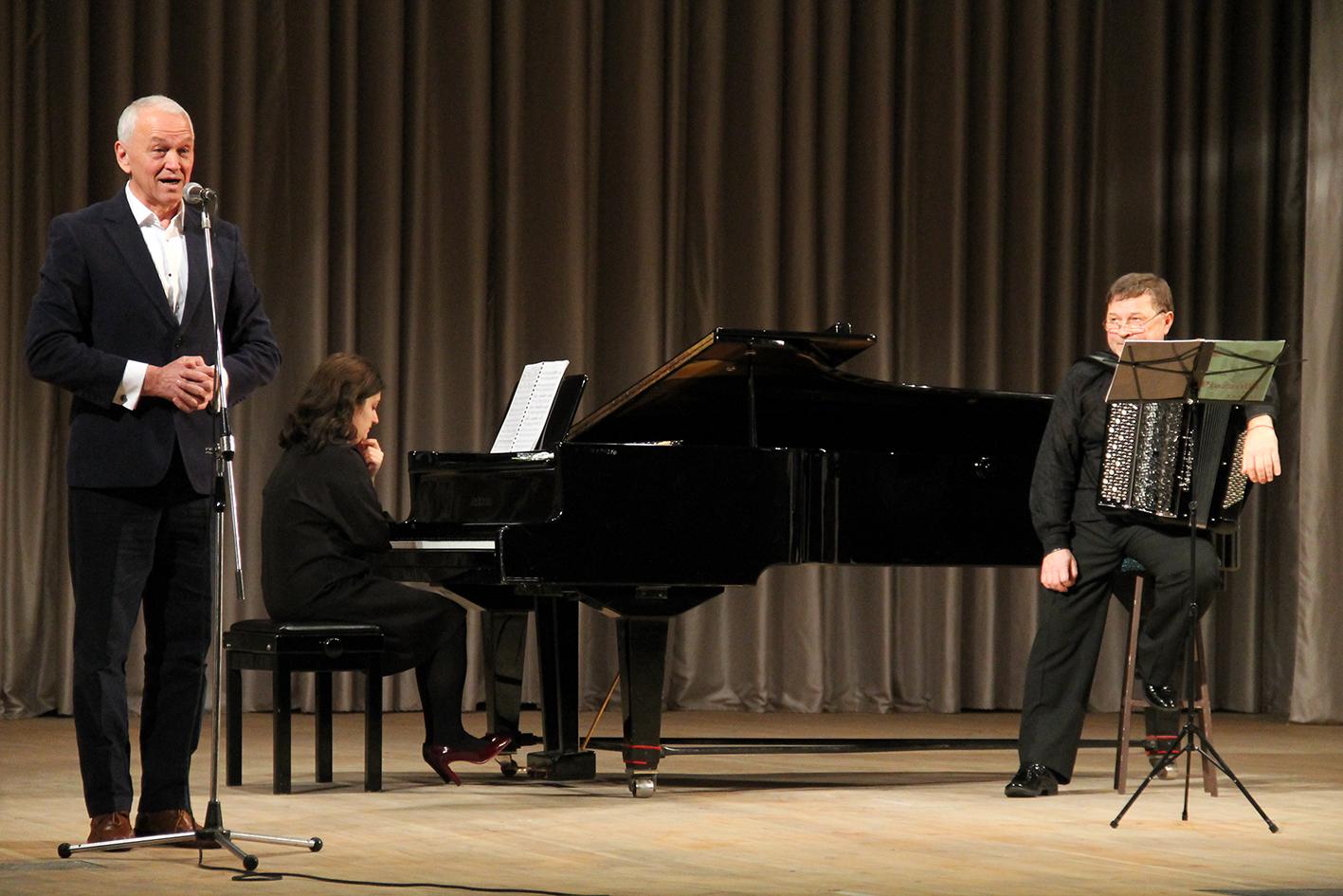 В'ячеслав Самофалов та Марія Віхляєва з програмою «П'яццолла і танго» (Фото)