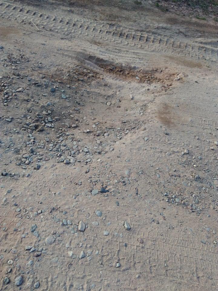 Найгірша дорога в Чернігові: водії маршрутки жаліються на «вулканічне» покриття (Фото)