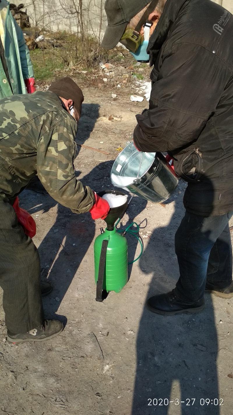 У громадах на Чернігівщині дезінфікують сміттєві баки (Фото)