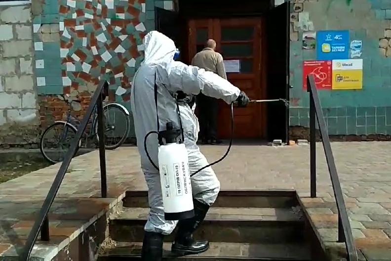 В осередку спалаху коронавірусу на Чернігівщині здійснюють заходи з протидії поширення інфекції (Фото)