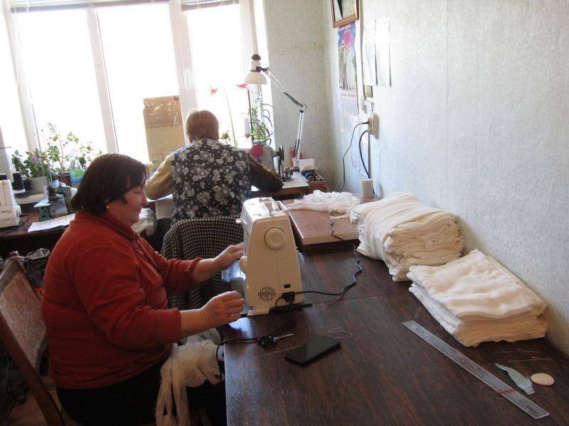 На Чернігівщині в громадах організовують пошив «захисної амуніції» (Фото)
