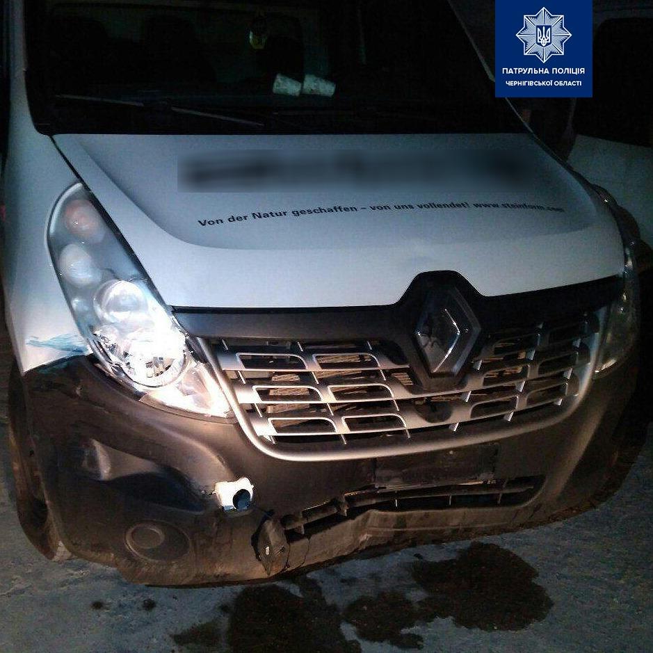 Патрульні розшукали авто, яке може бути причетним до ДТП (Фото)