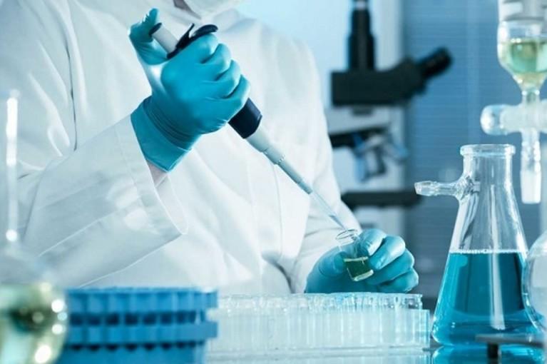 koronavirus-laborant
