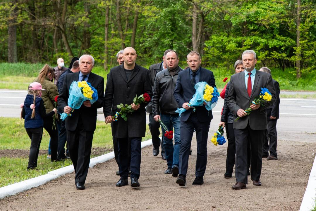 Чернігівці вшанували жертв політичних репресій у день їх пам'яті (Фото)