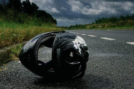 55d365d615504-helmet-on-the-road1-e1500624479573
