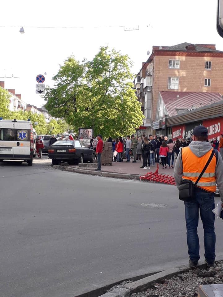 ДТП на проспекті: є постраждалі (Фотофакт)