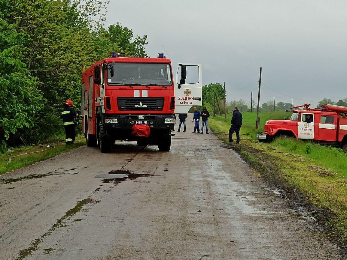 На Чернігівщині молоковоз злетів у кювет (Фото)