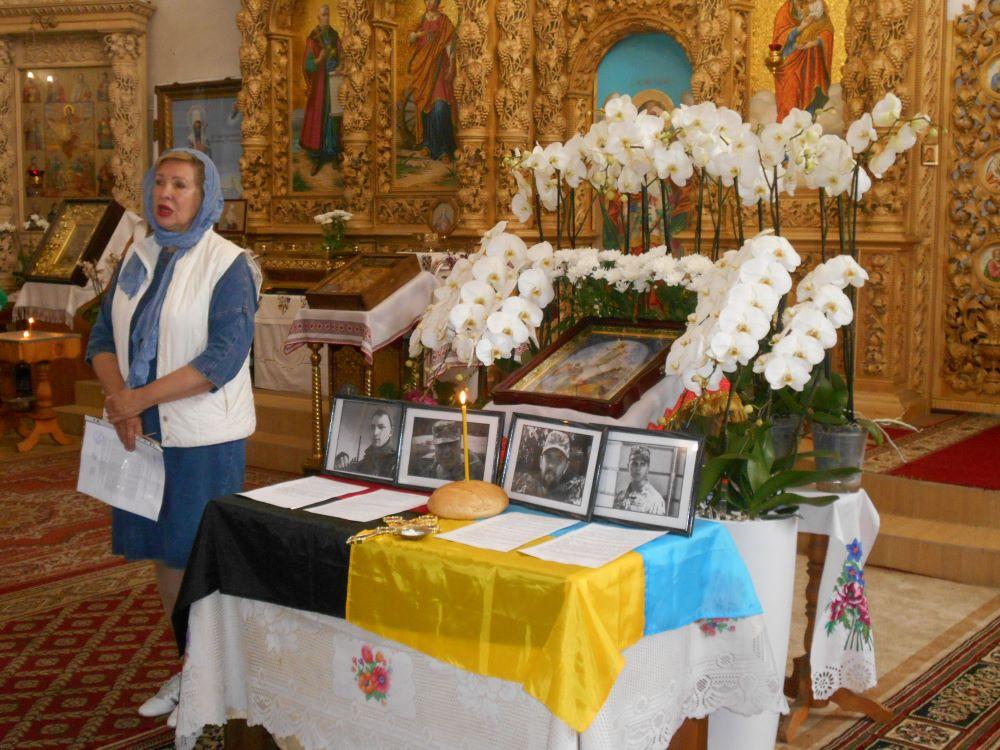 За загиблих у травні Захисників України помолилися в Чернігові (Фото)