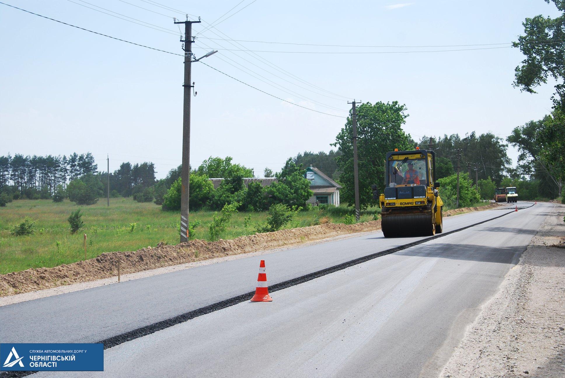 На Сновщині ремонтують дорогу регіонального значення (Фото)