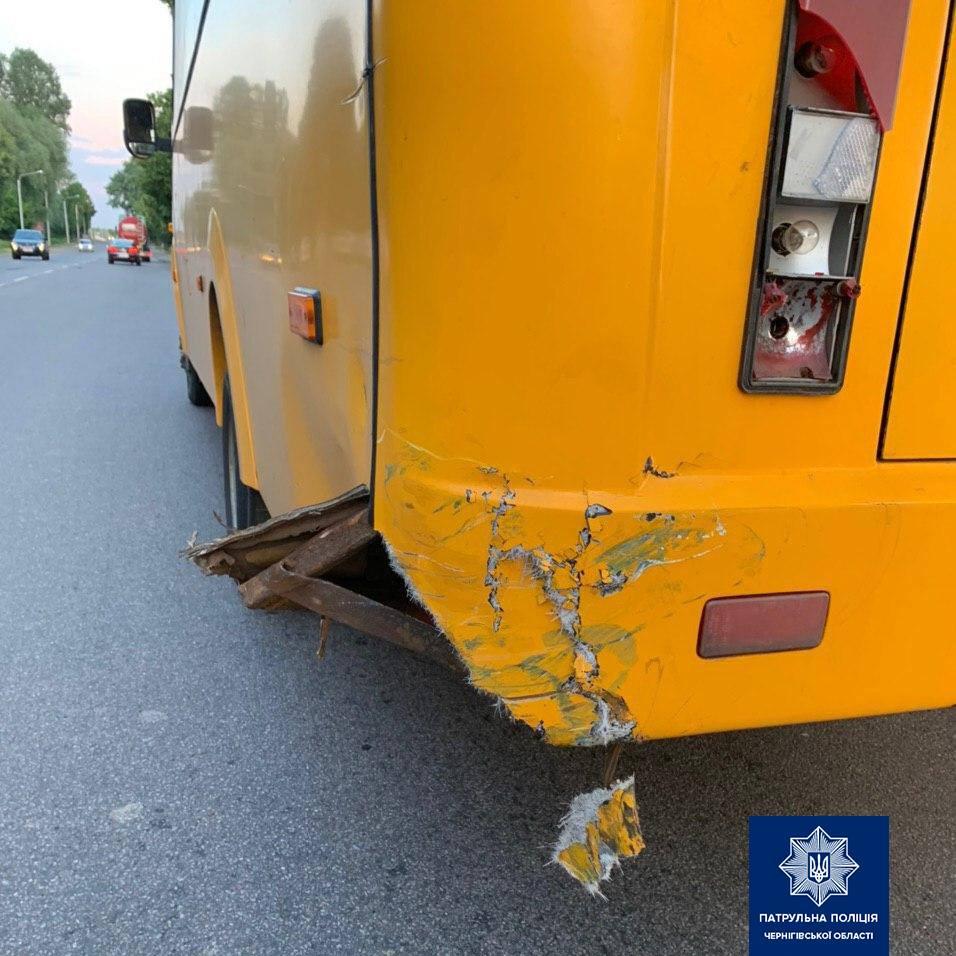 Мотоцикліст напідпитку врізався в автобус (Фото)