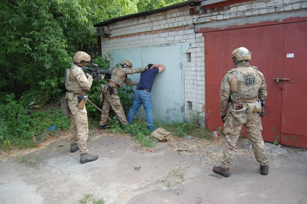 На Чернігівщині СБУ попередила продаж 70 бойових гранат криміналітету (Фото)