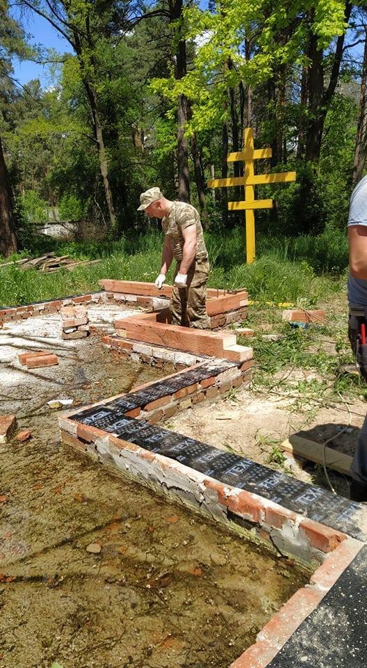 Біля Чернігова будують військовий гарнізонний храм (Фото)