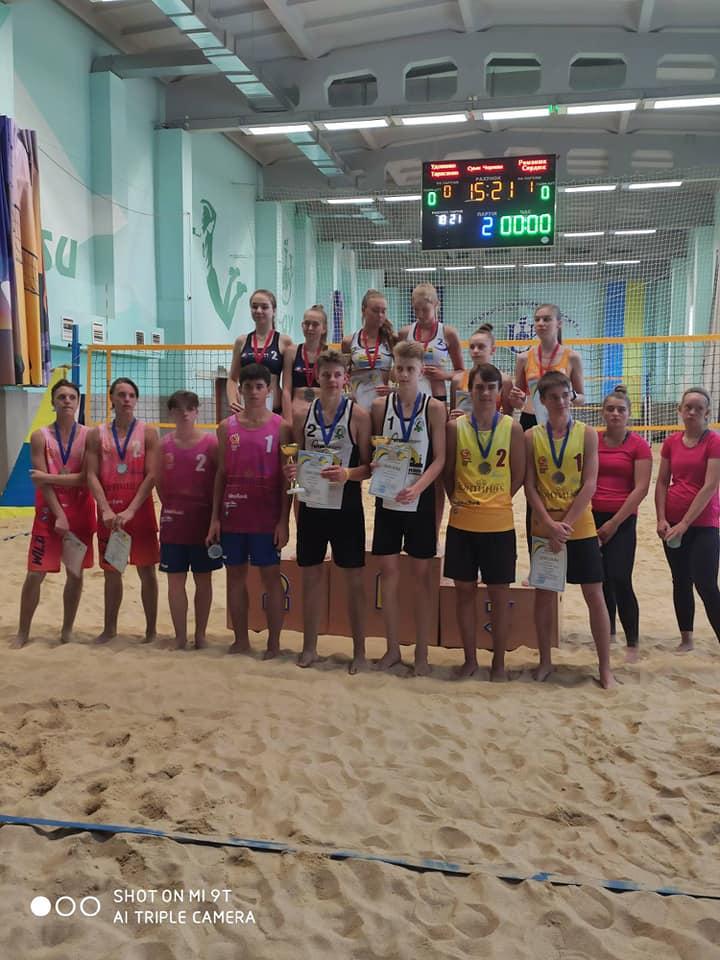 Чернігівці перемогли у чемпіонаті з пляжного волейболу (Фото)