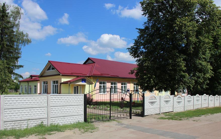 У Сновську оновлюється Центр дитячої та юнацької творчості (Фото)