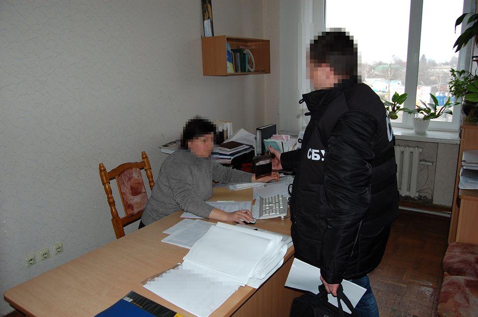 СБУ викрила розкрадання понад півмільйона бюджетних грошей на утепленні дитсадка на Чернігівщині (Фото)