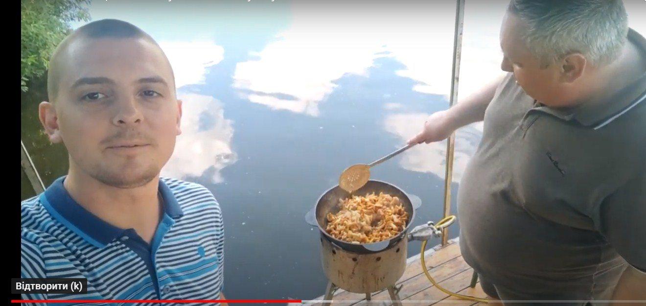 Директор чернігівського ринку дає в YоuTube уроки кулінарії (Фото)