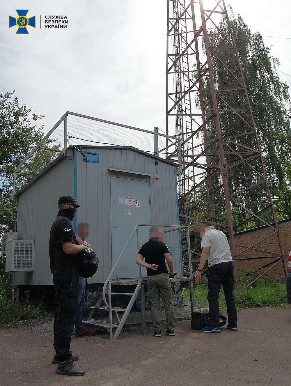 СБУ попередила несанкціоноване втручання у роботу систем зв'язку військового об'єкту на Чернігівщині (Фото)