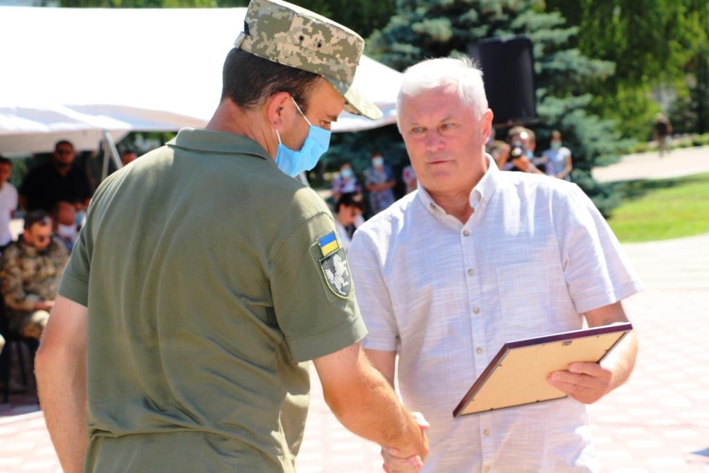 На Чернігівщині нагородили воїнів-танкістів, які повернулися зі сходу України (Фото)