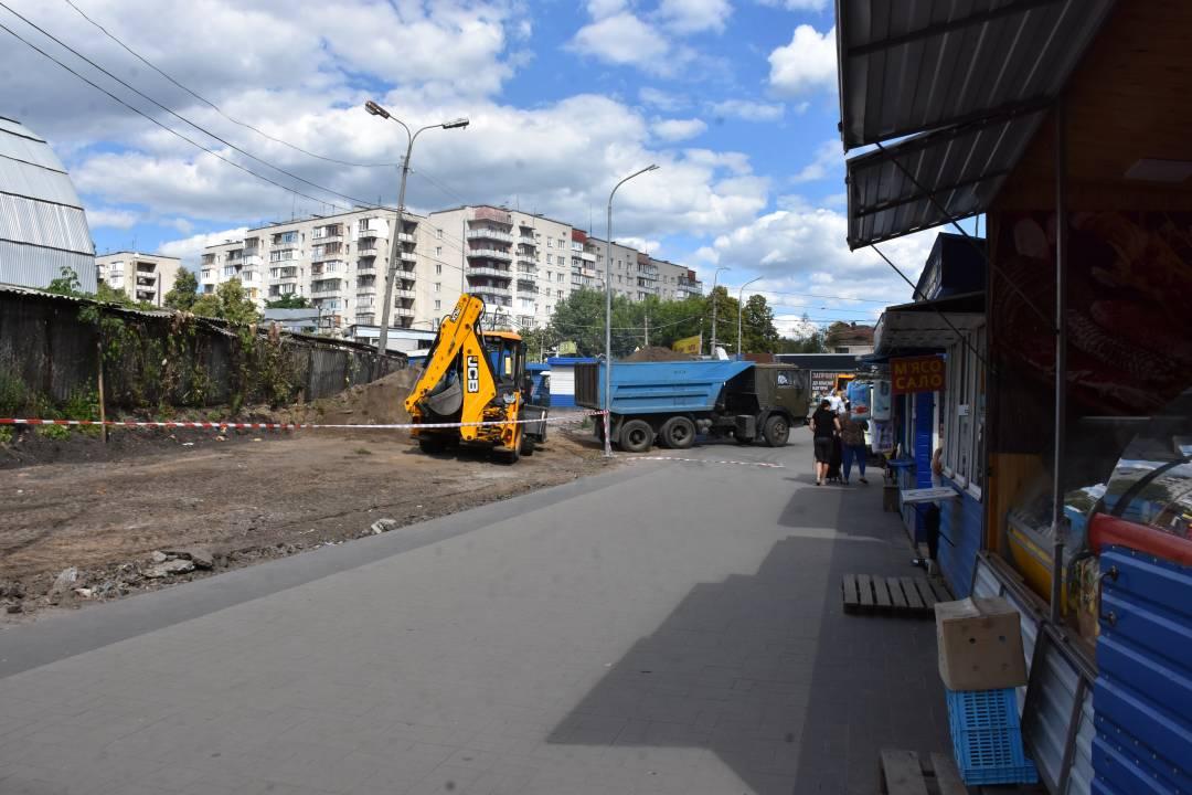 Ринок на «музикалці» почали реконструювати (Фото)