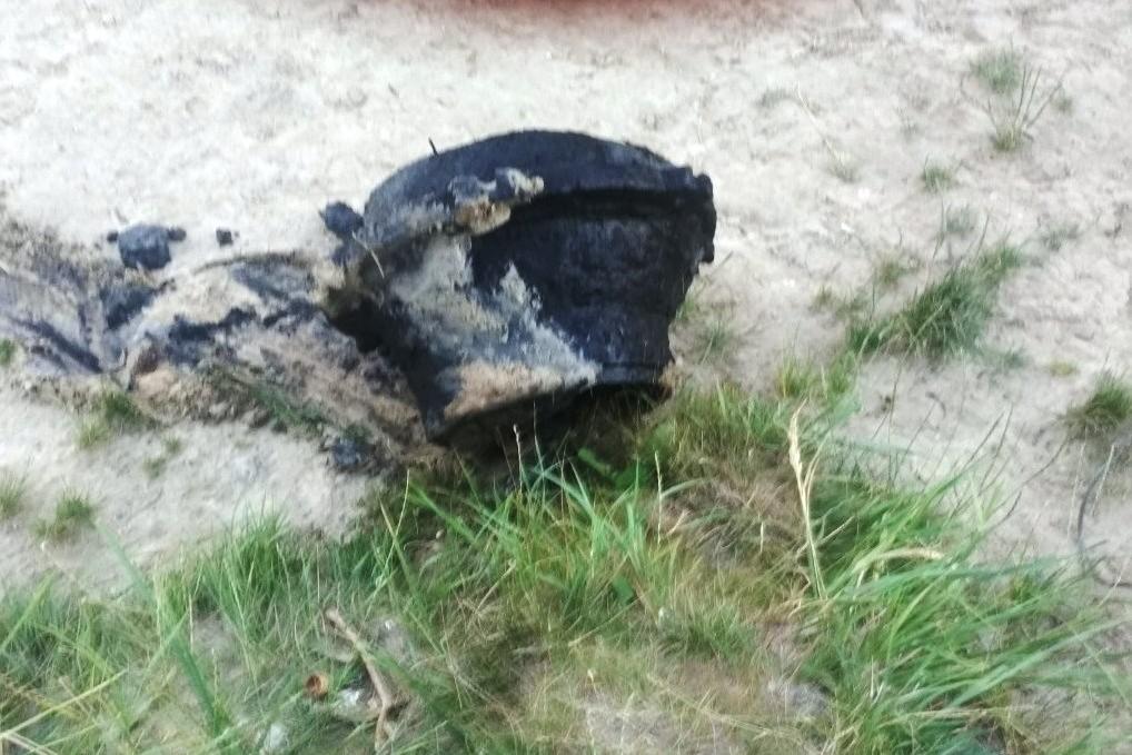 Із дна «Земснаряду» підняли металевий предмет, що міг травмувати відпочивальників (Фото)