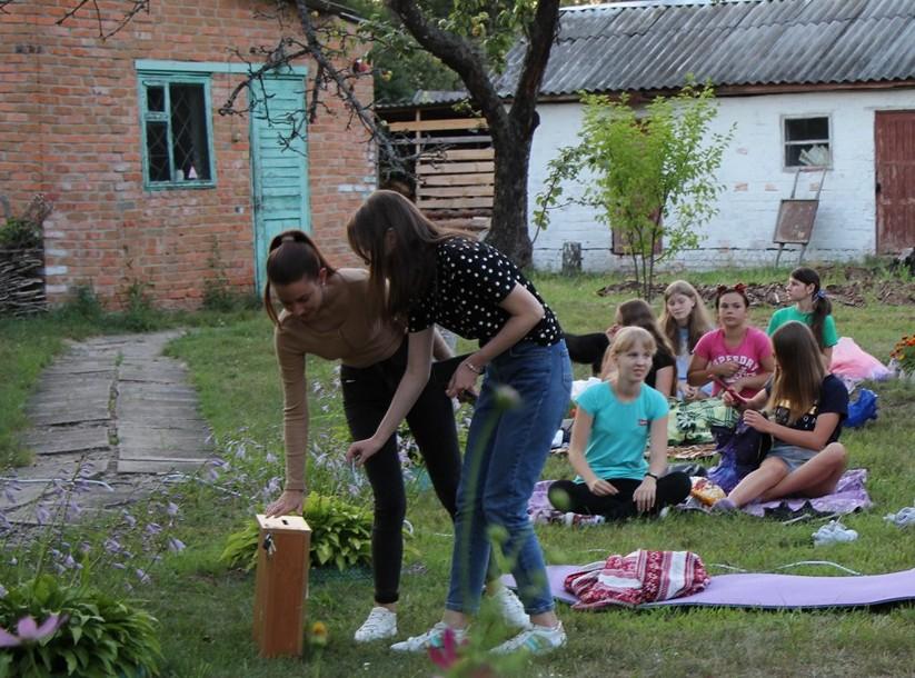 Вечірні пригоди на музейному подвір'ї (Фото)