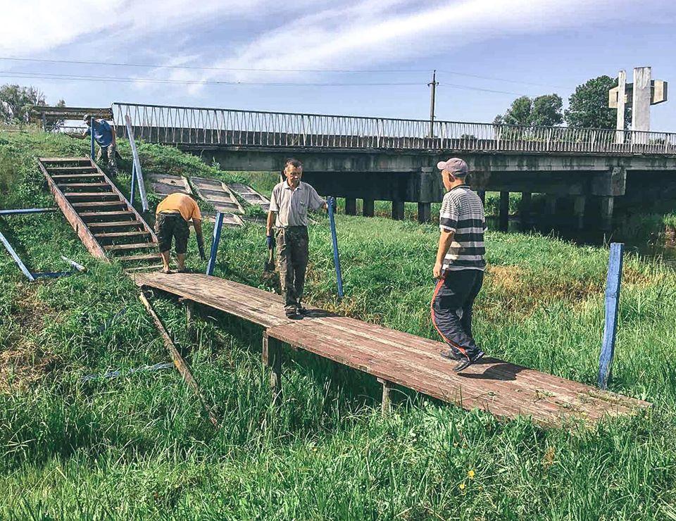 На Чернігівщині відновили альтанку та місток (Фото)