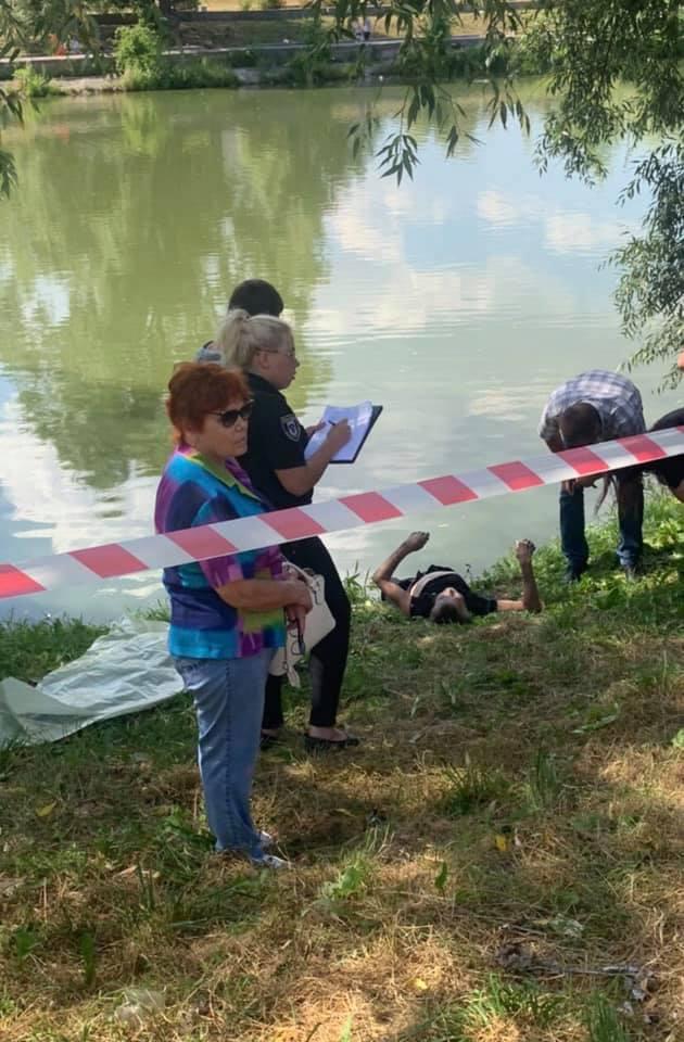 У Чернігові біля Красного мосту виявили труп (Фотофакт)