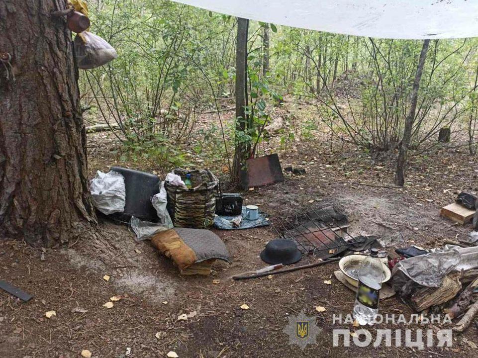 Поліцейські викрили на околиці Сновська імпровізовану нарколабораторію (Фото)