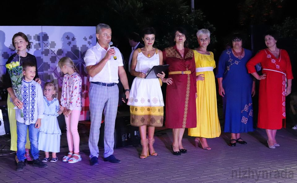 У Ніжині пройшов показ дизайнерського українського одягу (Фото)