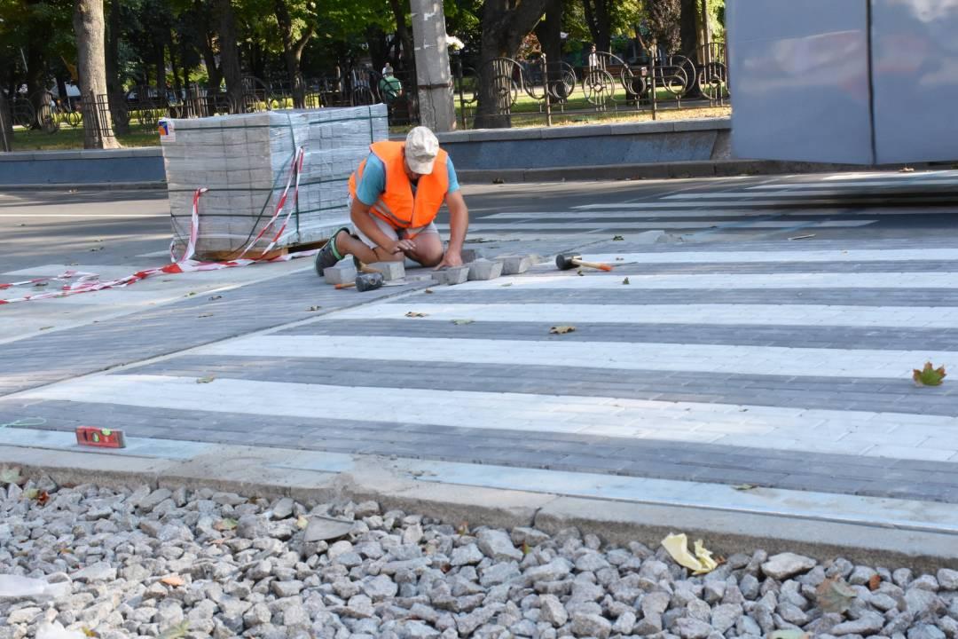 На проспекті Миру будують підвищені пішохідні переходи (Фото)