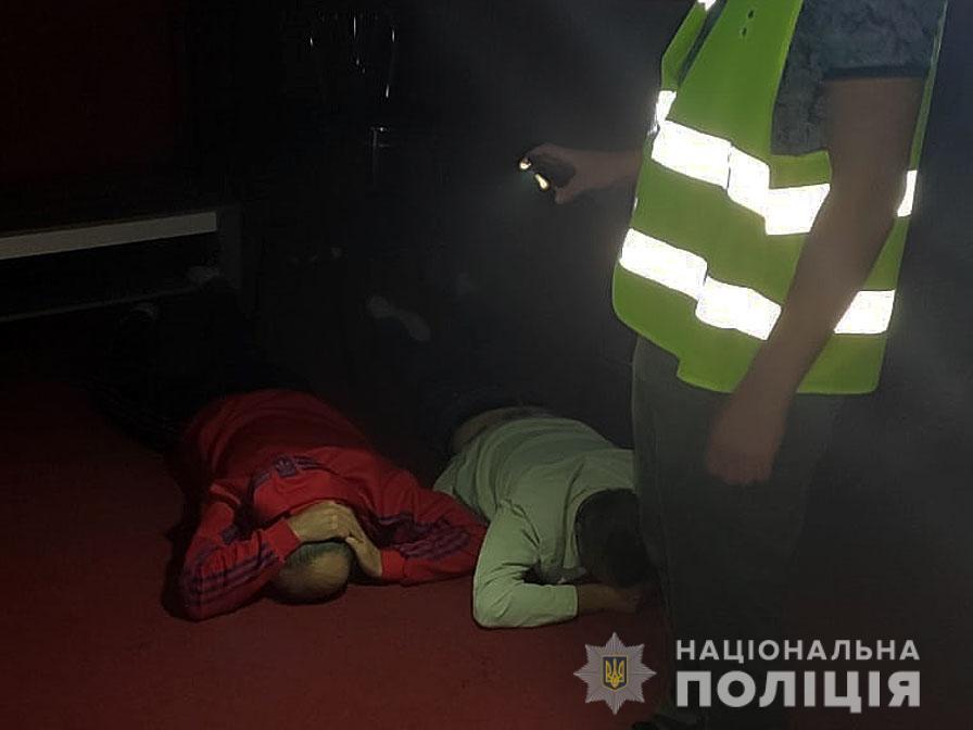 У Чернігові поліцейські припинили діяльність підпільного грального закладу (Фото, відео)