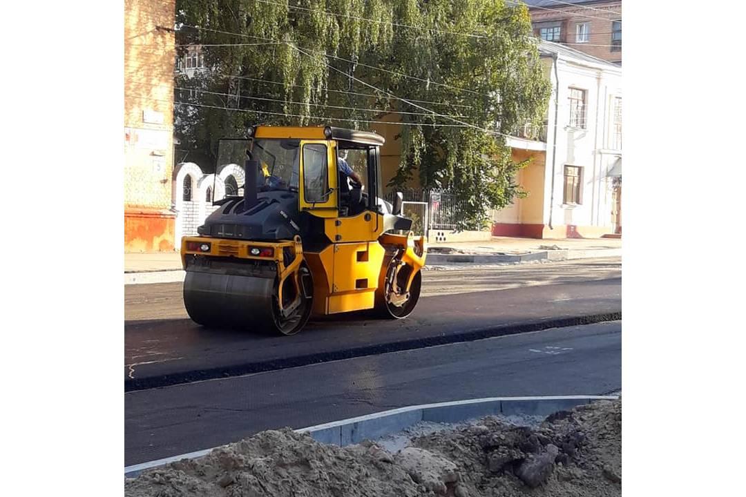 Вулицю Київську у Чернігові незабаром відкриють для проїзду (Фото)