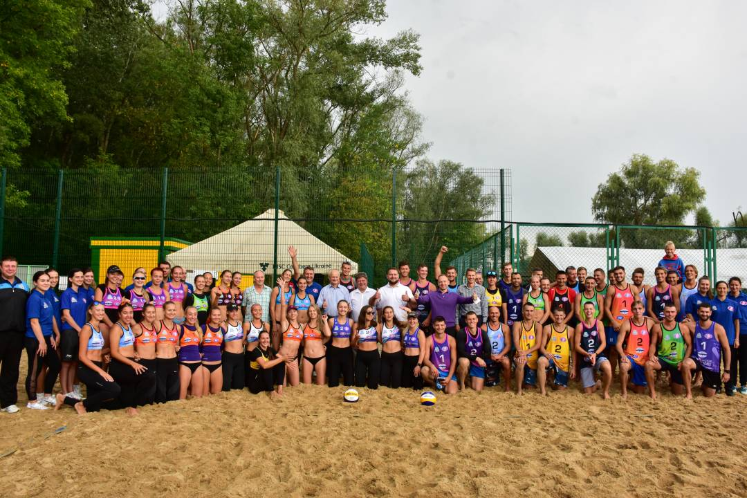 Вперше у Чернігові проходить Фінальний тур Чемпіонату України з волейболу пляжного (Фото)