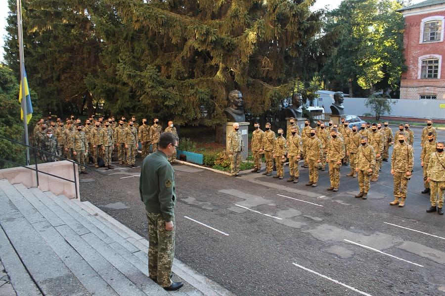 У Чернігові вшанували пам'ять курсантів, що загинули в авіатрощі на Харківщині (Фото)