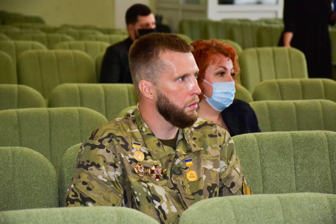 У Чернігові вперше вручили нагороди до почесного звання «Захисник України – Герой Чернігова» (Фото)