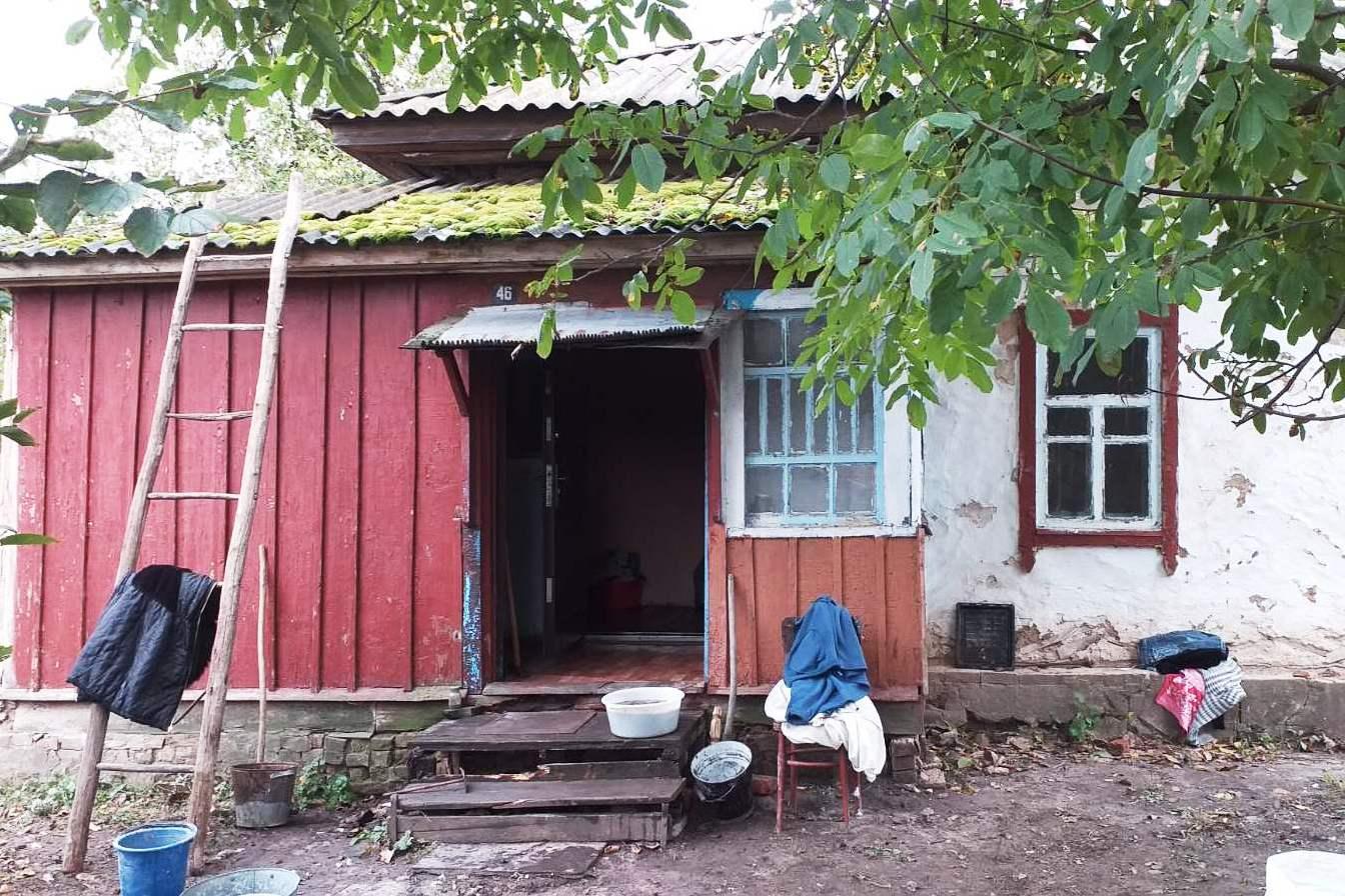 На Чернігівщині вогнеборці під час ліквідації пожежі врятували двох малолітніх дітей (Фото)