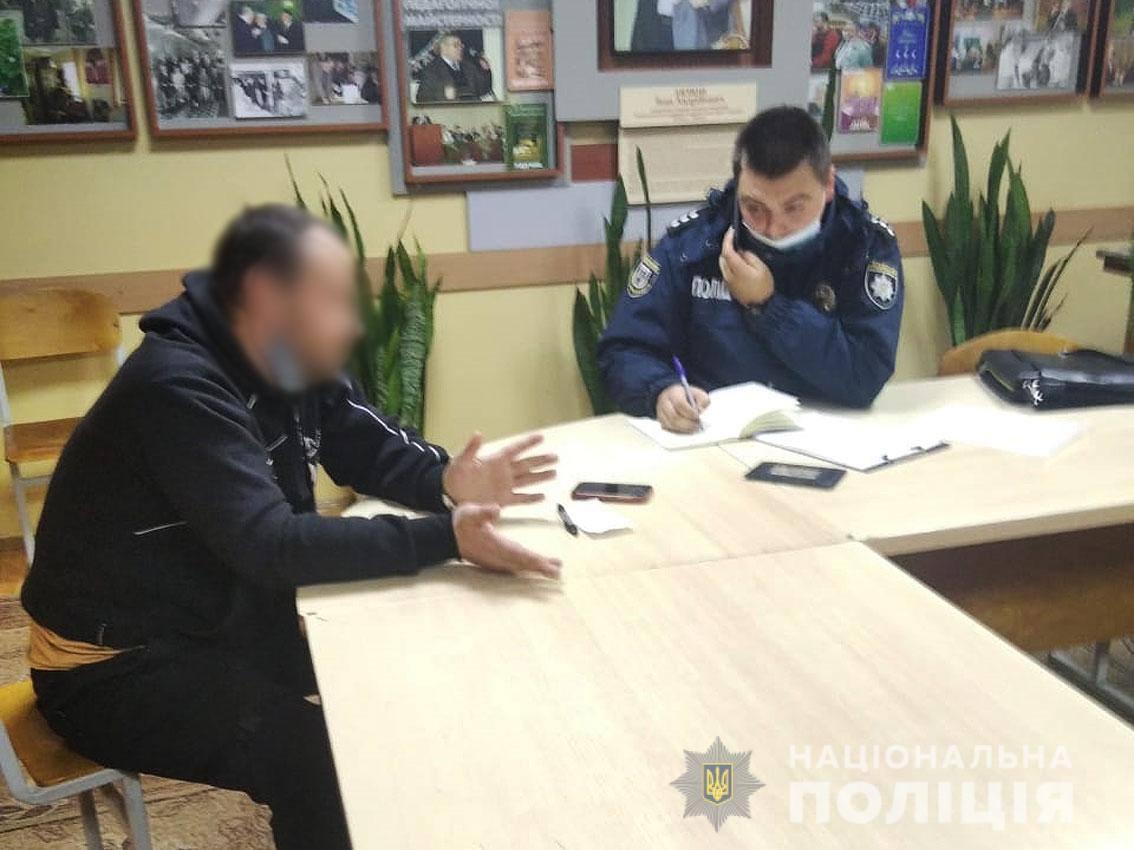 Троє жителів Чернігівщини розірвали свої бюлетені (Фото)
