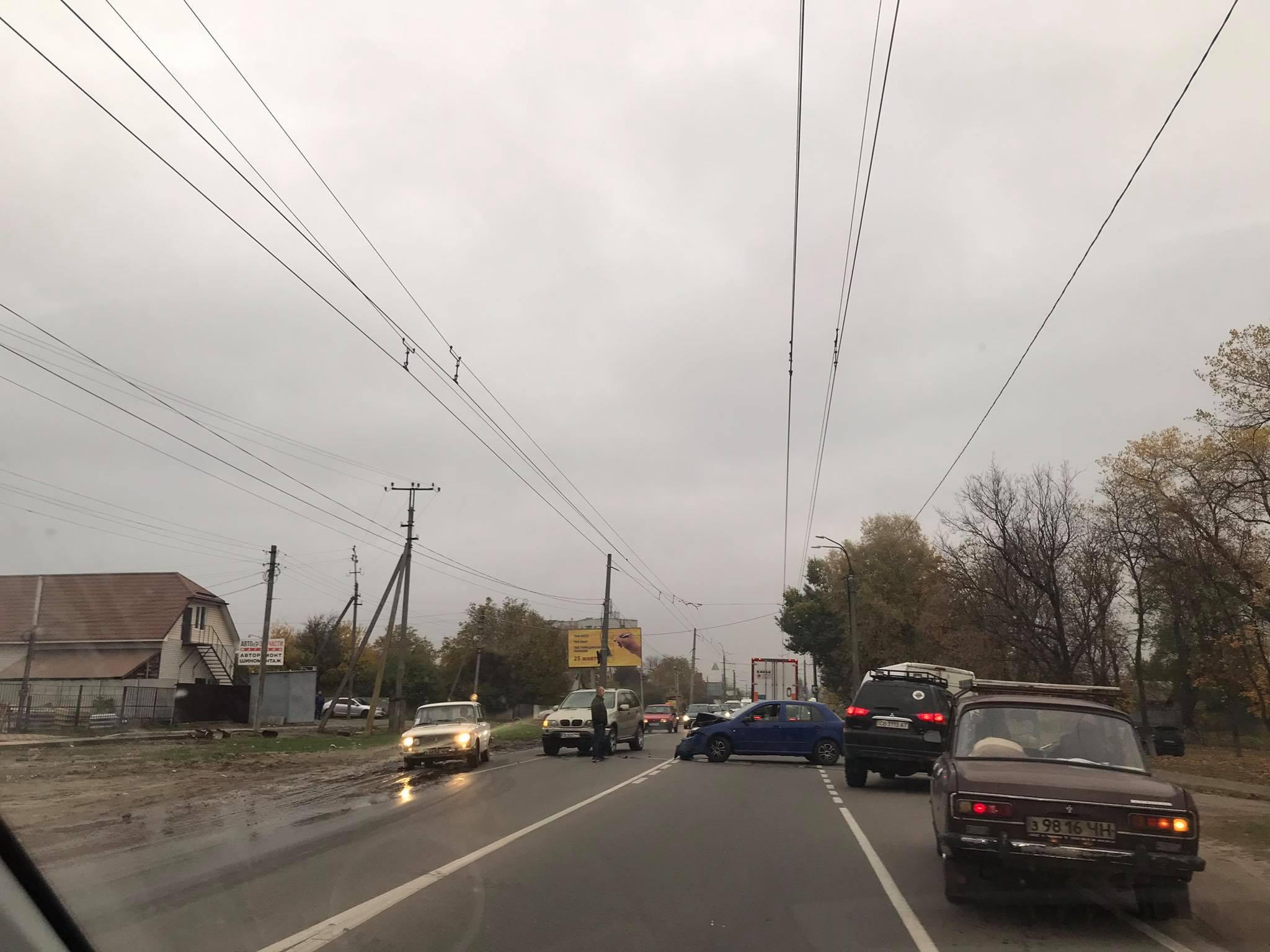 На вулиці Шевченка у Чернігові сталася аварія (Фотофакт)