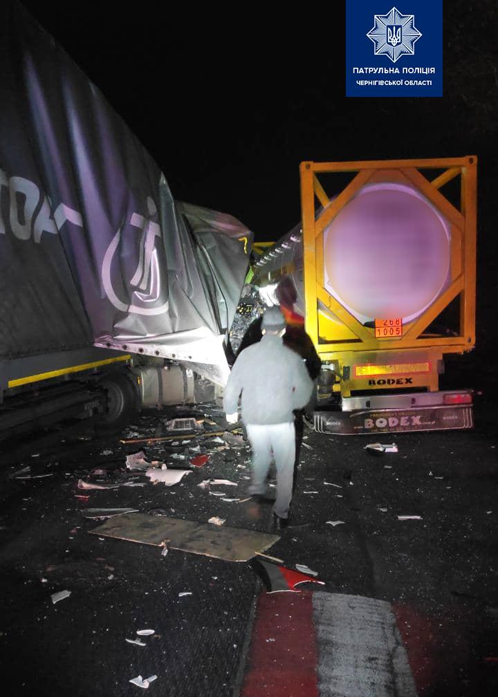 У Кіптях сталася ДТП за участі двох вантажівок
