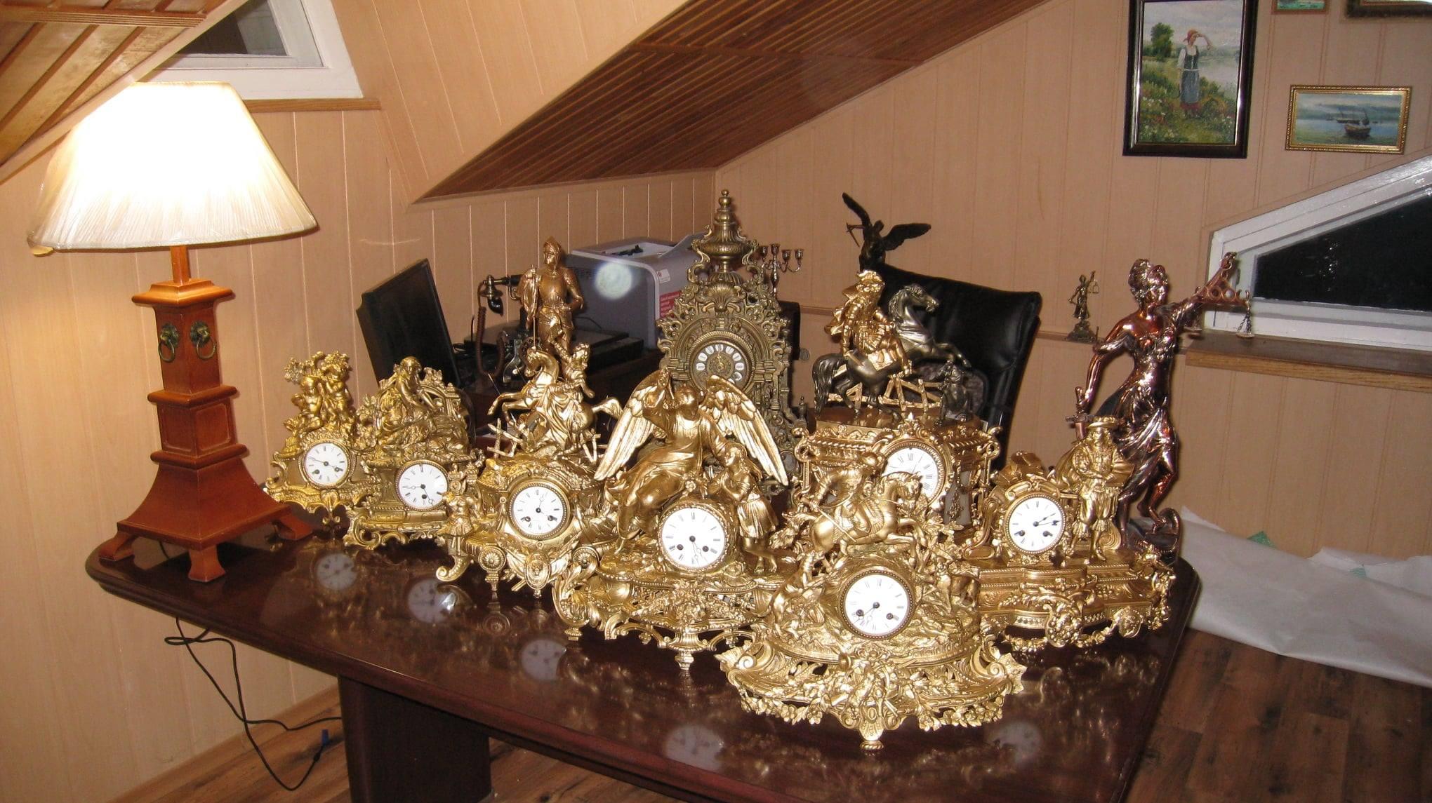 Відомий на Чернігівщині суддя хоче створити унікальний музей годинників (Фото)