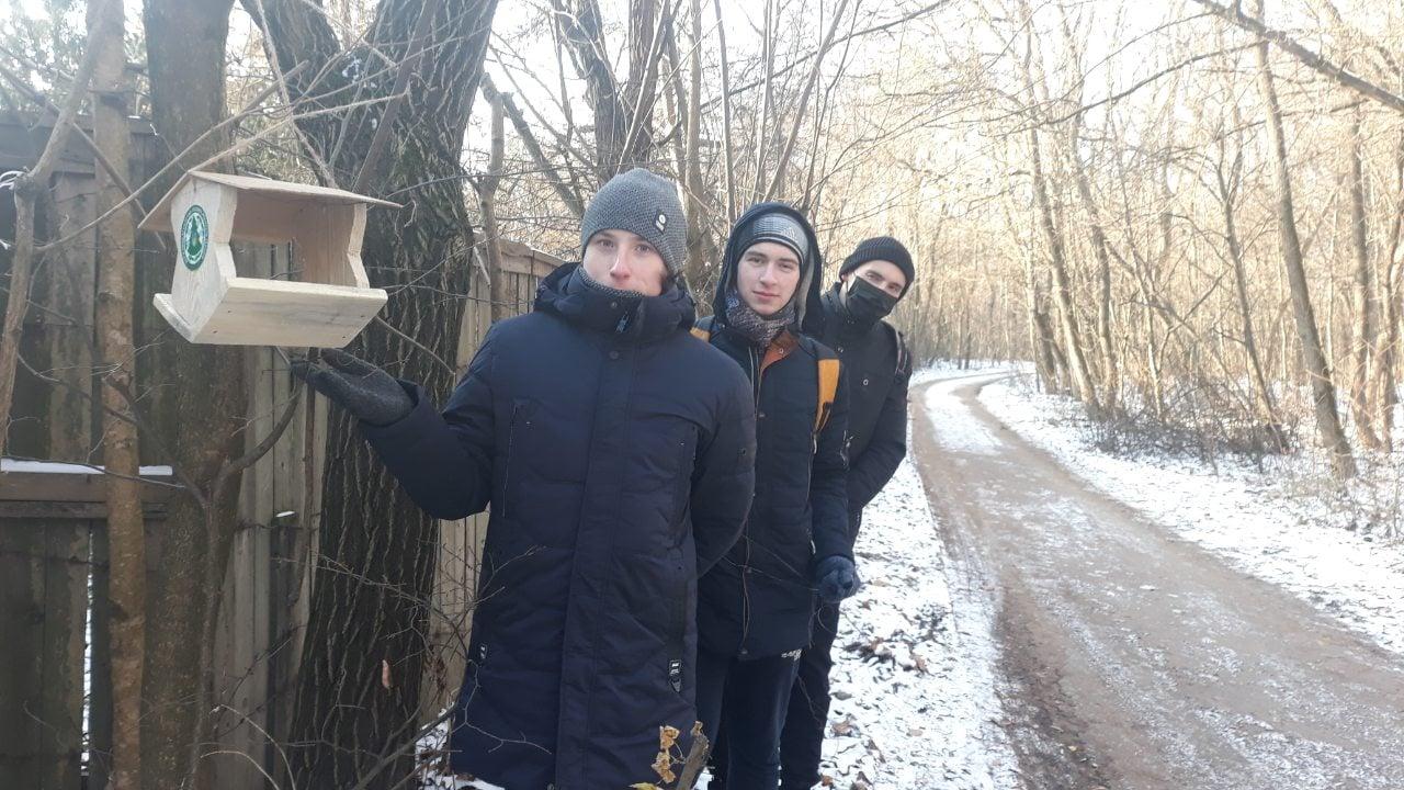 У Чернігові стартувала природоохоронна акція «Підгодуємо пташок взимку» (Фото)