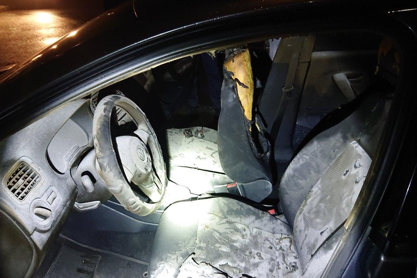 Через необережність під час використання феєрверків у Чернігові згорів Volkswagen