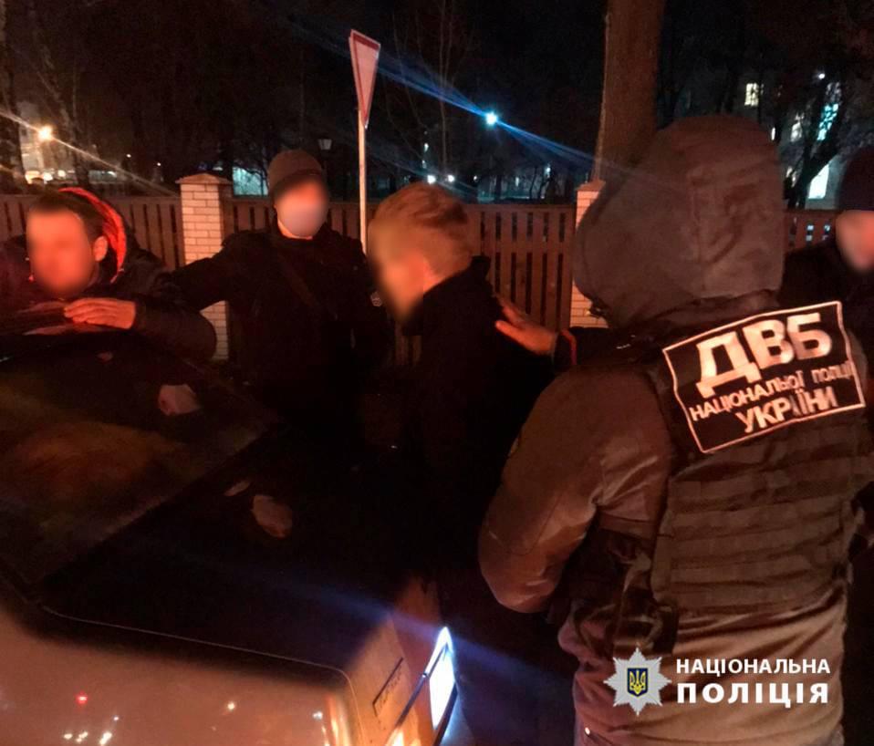 У Чернігівській області затримано двох поліцейських за збут наркотиків (Фото)