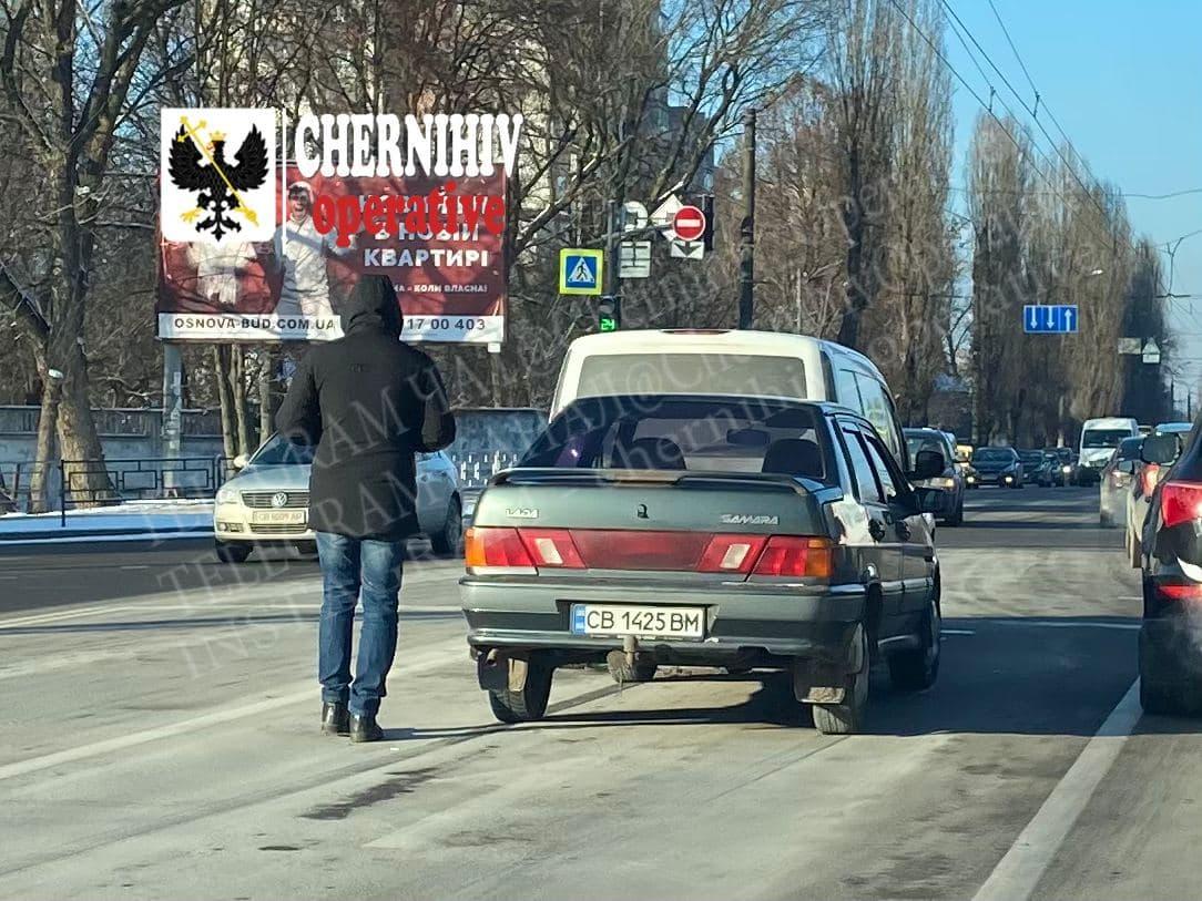 На одному з перехресть Чернігова сталася аварія (Фото, відео)