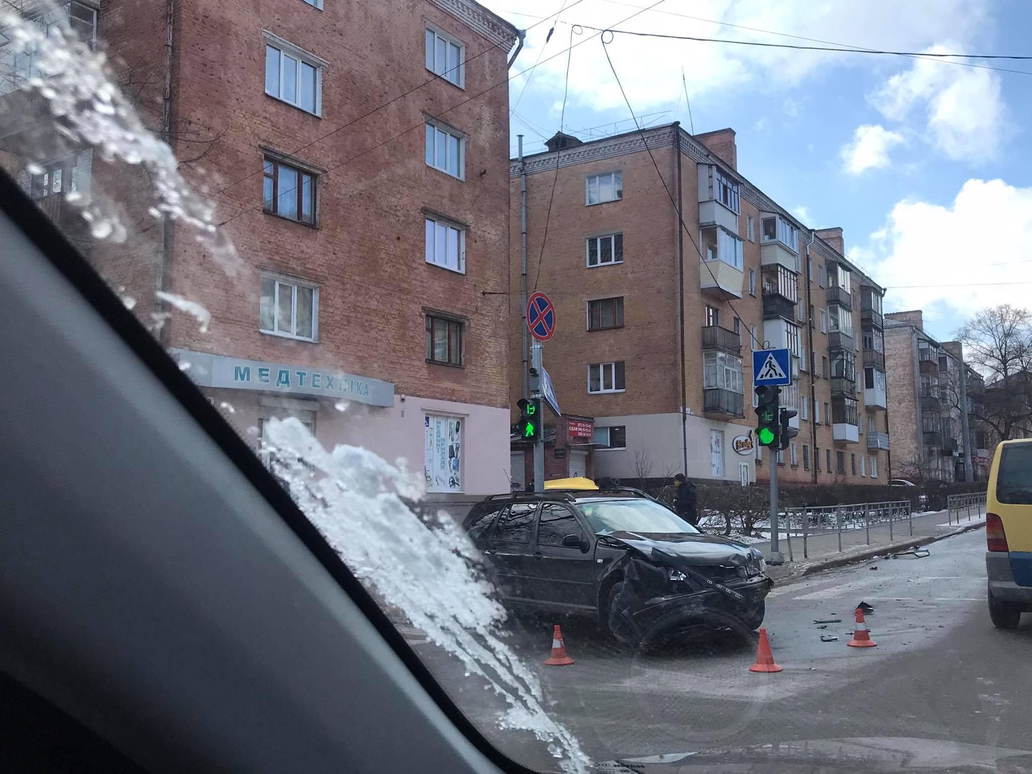 ДТП на чернігівському перехресті (Фото. Відео)