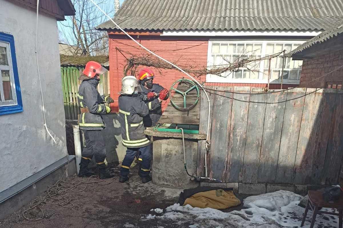 На Чернігівщині в колодязі виявили тіло жінки (Фото)
